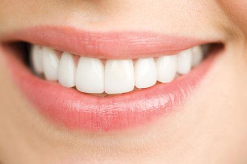 Trám răng thẩm mỹ có đau nhiều hay không? 3