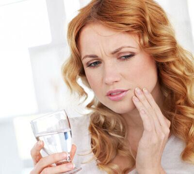 Nhức răng sau khi trám răng nguyên nhân là gì? Nguy hiểm không? 1