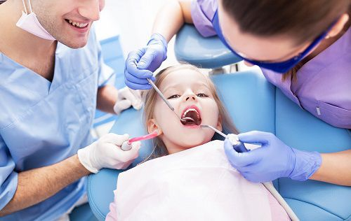 Trẻ em bị sâu răng sữa - Nguyên nhân & 9 Cách điều trị hiệu quả nhất 2