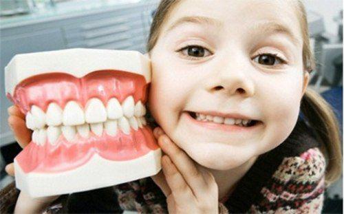 [GIẢI ĐÁP] NÊN hay KHÔNG NÊN trám răng cho bé 3 tuổi 2