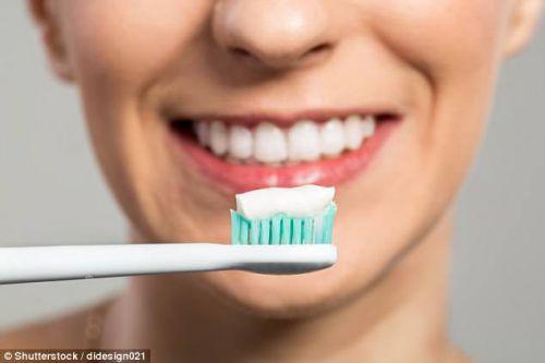 Vệ sinh răng miệng ngay khi ngủ dậy có phải thời gian đánh răng đúng cách ? 2